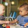 Szégyenlős Gyerekek: Mit Ne Csináljunk és Hogyan Segíthet a Szülő?